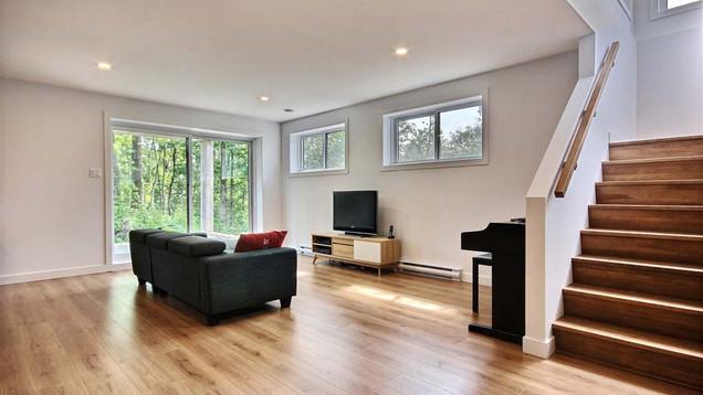 Maison à étage avec garage / Escalier 4