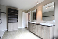 Plan de maison avec garage / Salle de bain 1