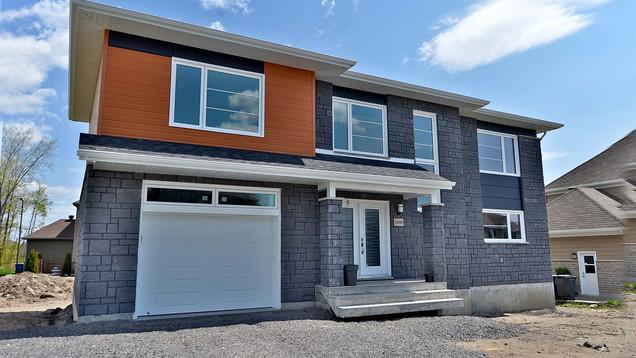 Plan de maison avec garage / Extérieur 1