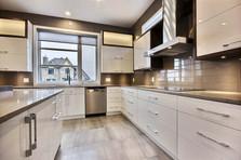 Maison avec 2 garages / Cuisine 5