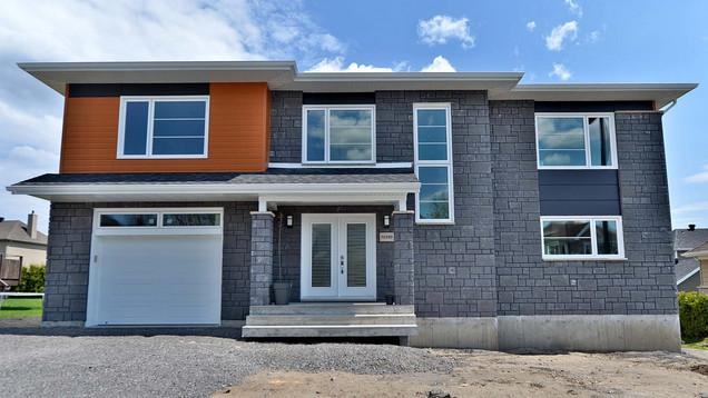 Plan de maison avec garage / Extérieur 2