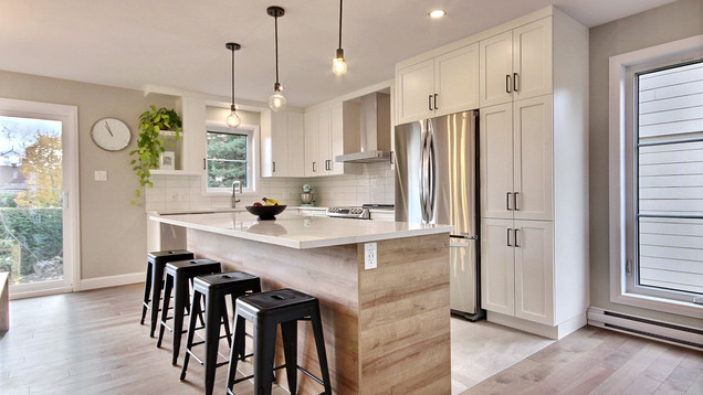 Modèle de maison à étage avec garage / Cuisine 5