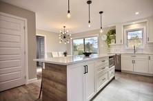 Modèle de maison à étage avec garage / Cuisine 4