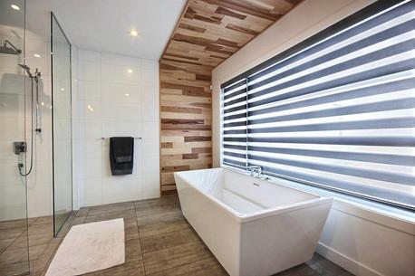 Maison avec 2 garages / Salle de bain 2