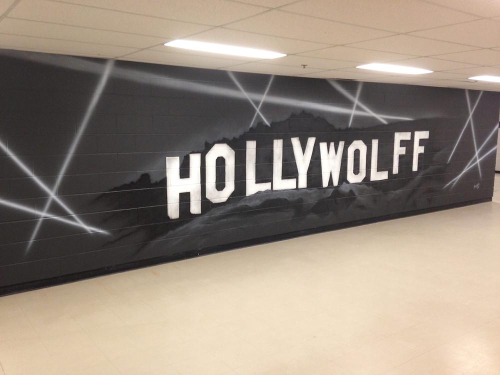 Hollywolff - Décoration murale en noir et blanc à Québec | Yan Pigeon peintre et artiste