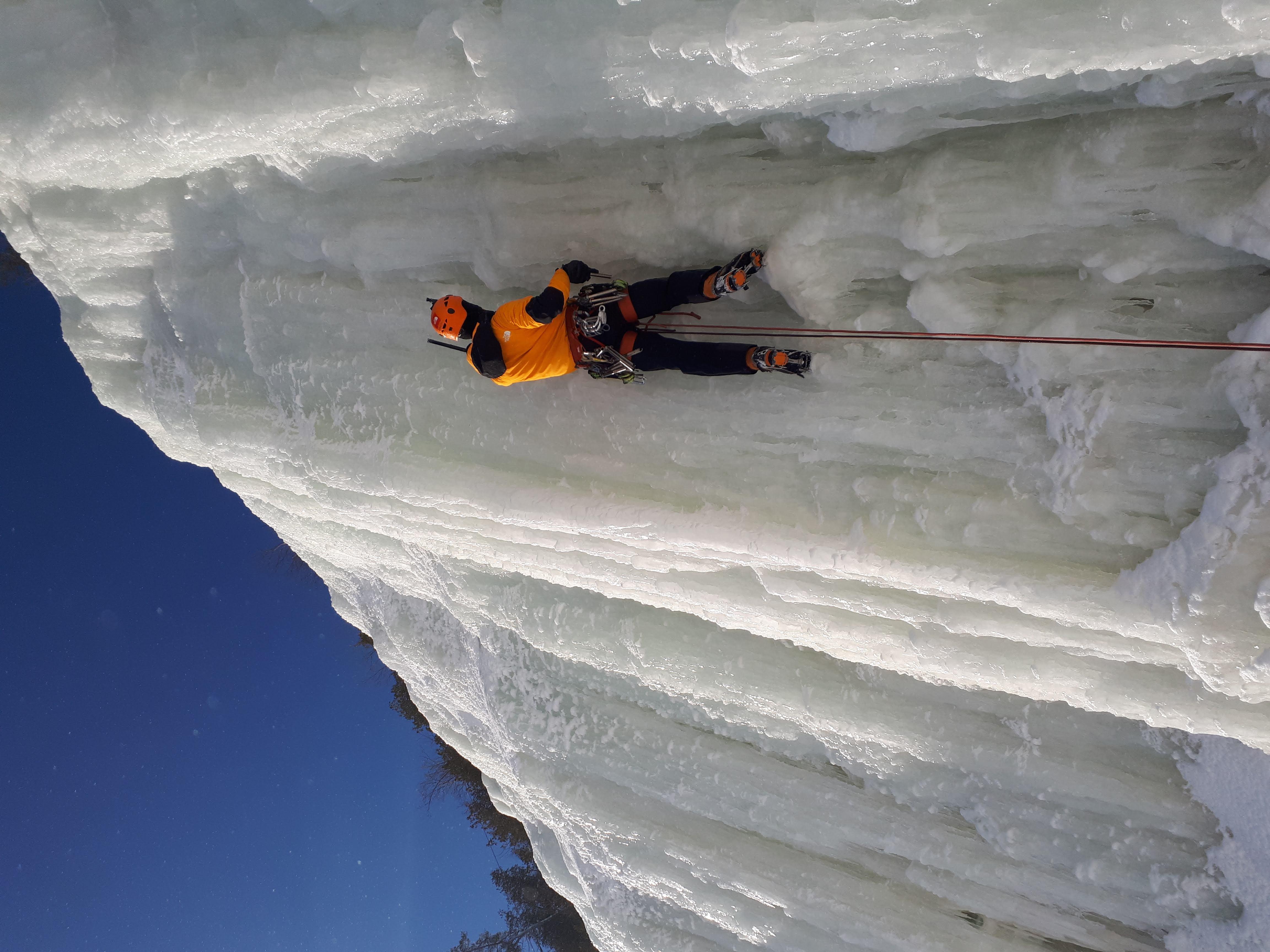 passion-escalade-cours-et-formation-en-e