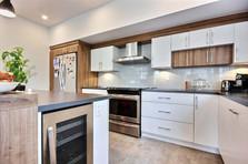 Maison à étage avec garage / Cuisine 2