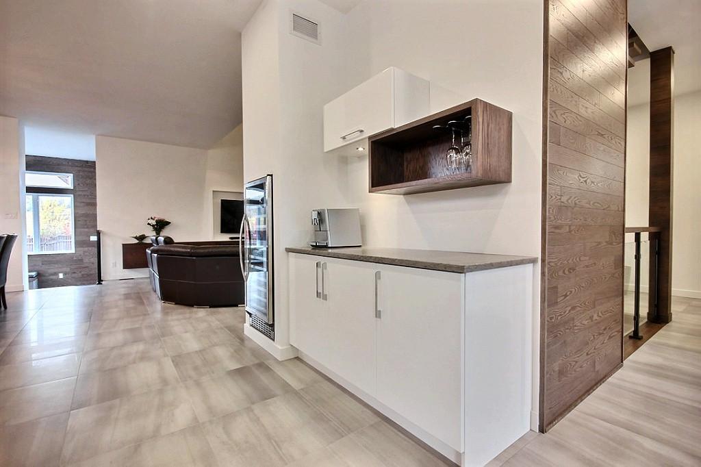 Maison avec 2 garages / Cuisine 7