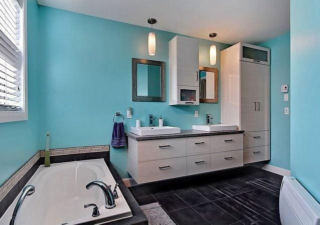 Modèsle de maison plain-pied contemporaine / Salle de bain 2