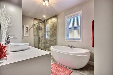 Maison avec garage / Salle de bain 4