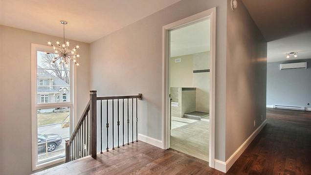 Plan de maison avec garage / Escalier 4