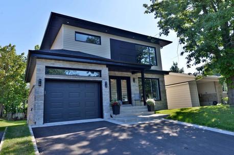 Maison avec garage / Extérieur