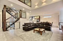 Maison avec 2 garages / Salon 2