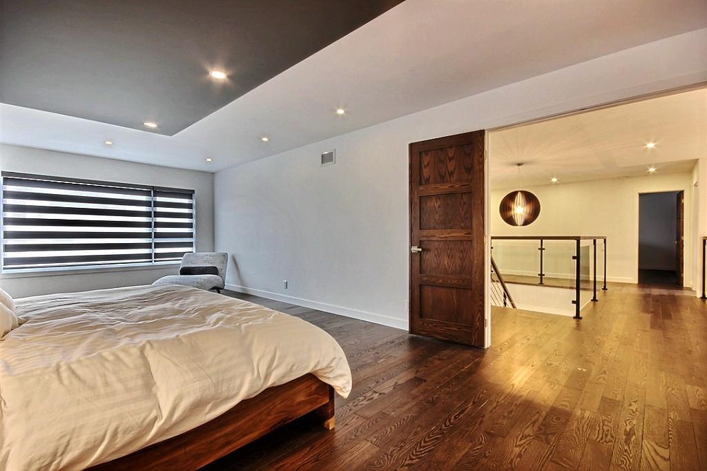 Maison avec 2 garages / Chambre 1