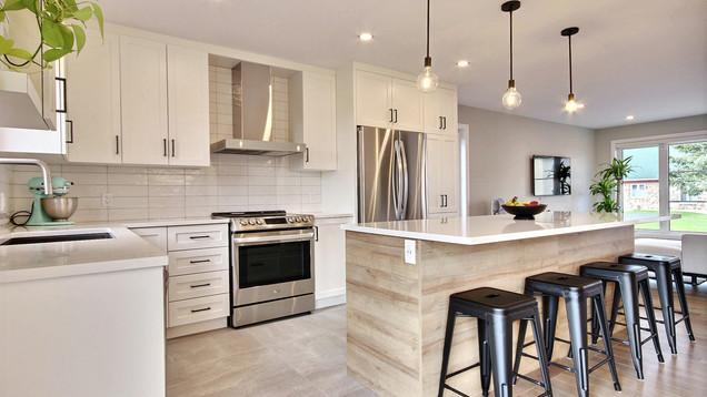 Modèle de maison à étage avec garage / Cuisine 6