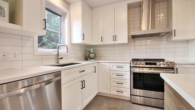 Modèle de maison à étage avec garage / Cuisine 3