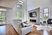 Maison à étage avec garage / Salon 1