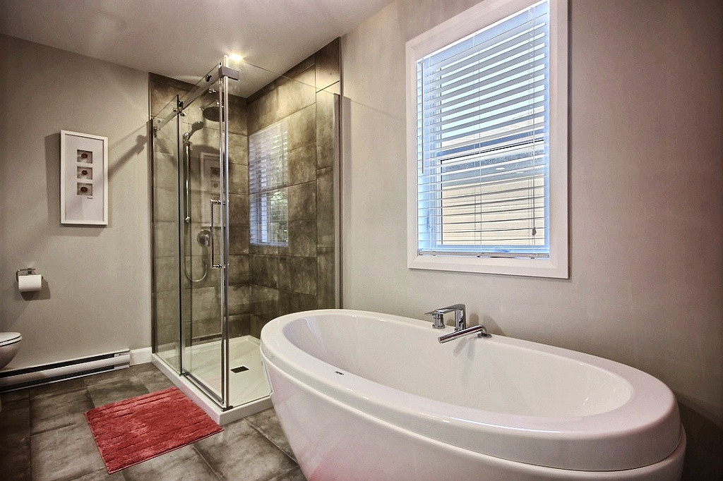 Maison avec garage / Salle de bain 3