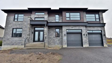 Maison avec 2 garages