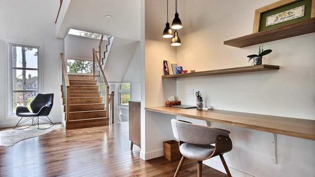 Maison à étage avec garage / Escalier 1
