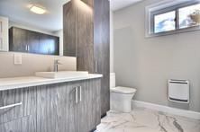 Modèle de maison à étage avec garage / Salle de bain 3