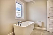 Modèle de maison à étage avec garage / Salle de bain 5