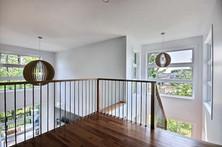 Maison à étage avec garage / Escalier 3