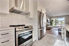 Modèle de maison à étage avec garage / Cuisine 2