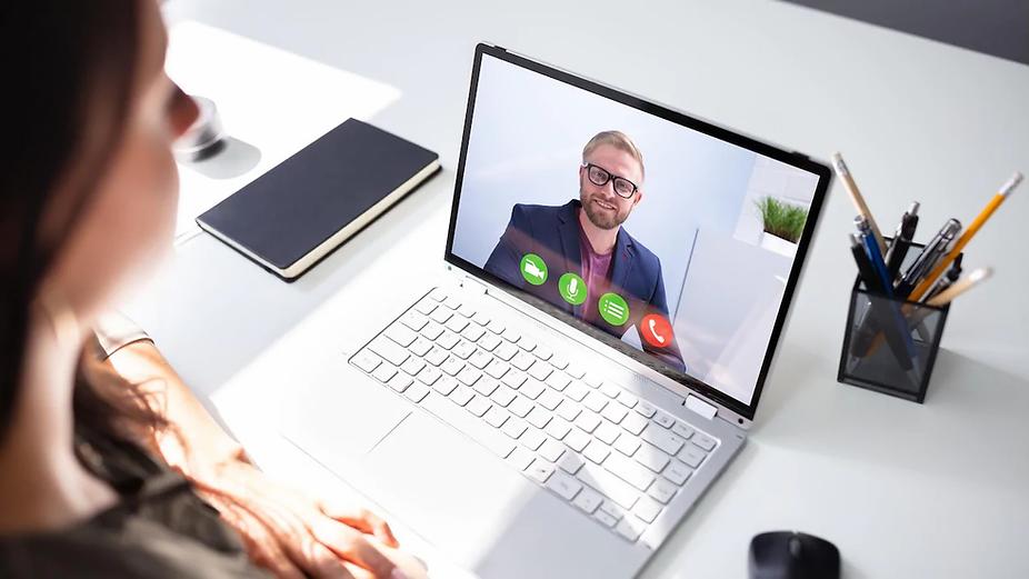 videoconference-appel-video-groupe-2.web