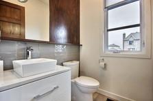 Maison avec 2 garages / Salle de bain 5