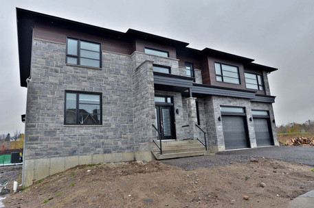Maison avec 2 garages / Extérieur 2