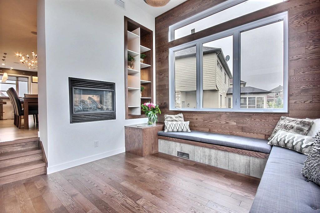 Maison avec 2 garages / Salon 6