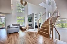 Maison à étage avec garage / Escalier 2