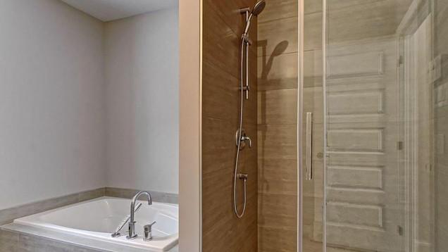 Modèle de maison à étage / Salle de bain
