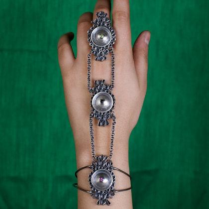 रचना // Rachna // Adorn - Hand Chain