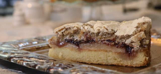 עוגת מרציפן ודובדבנים _ הבלוג של שרון סער