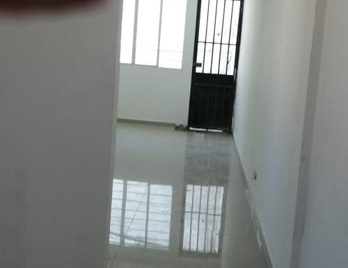 En col. Escalón casa de un solo nivel en remodelación, para oficinas Sobre calle abierta