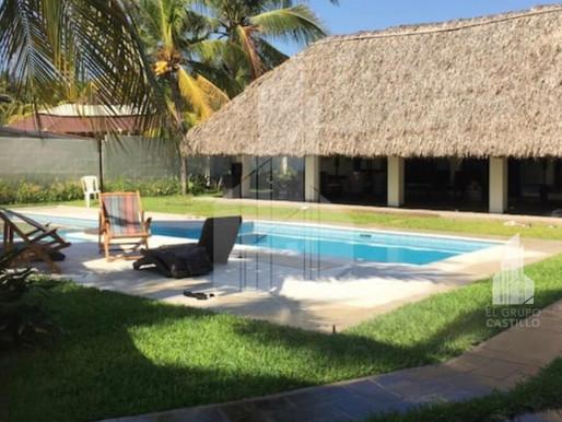En venta linda vivienda de playa en Cangrejera, con muebles incluidos