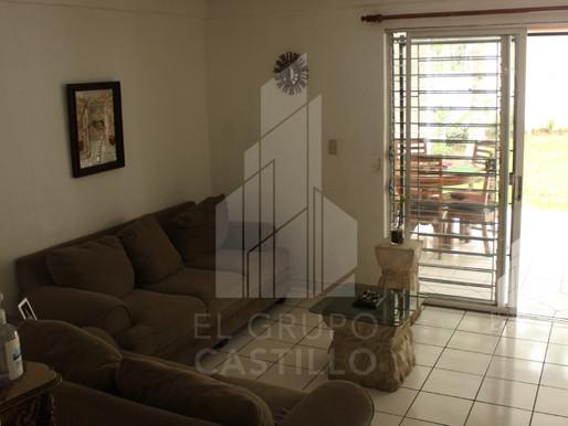 En venta Vivienda en Colonia Escalón, complejo privado.