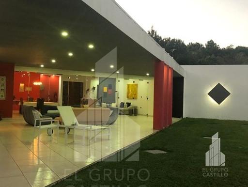 Se vende vivienda de un nivel en Quintas de Santa Elena