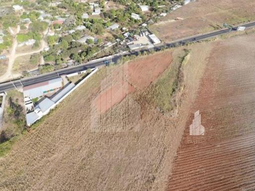 23.30 MZ en Guazapa, a 3.5 Km de Aguilares, Con 487.13 Mt de Frente a Carretera Troncal del Norte