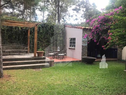 En venta preciosa casa remodelada en Las Arboledas Residencial Privado