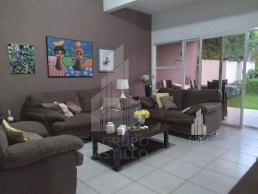 En venta vivienda de 366 V2 en Residencial La Florida