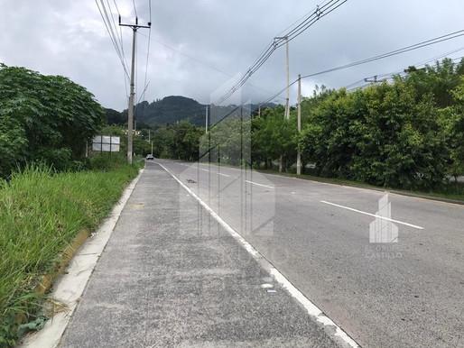 Vendo 13,852 V2 Carretera a Comalapa, Cerca de COMPLEJO DE BODEGAS Q10 e INDUSTRIAS BOLÍVAR