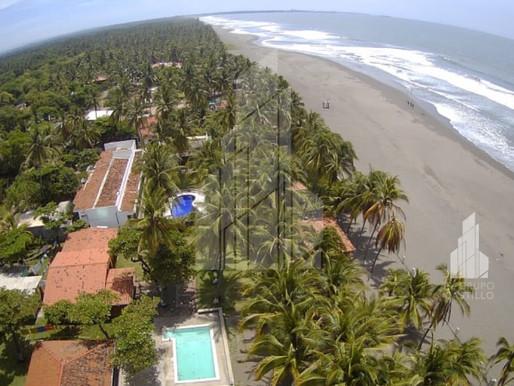 Lindo y amplio Rancho de playa, en PRIMERA LINEA, ubicado en playa Metalio, Sonsonate, una de las me