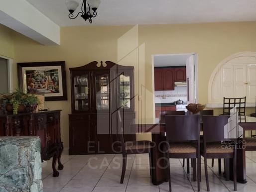 En venta vivienda de  650 V2 en Cumbres de Cuscatlán