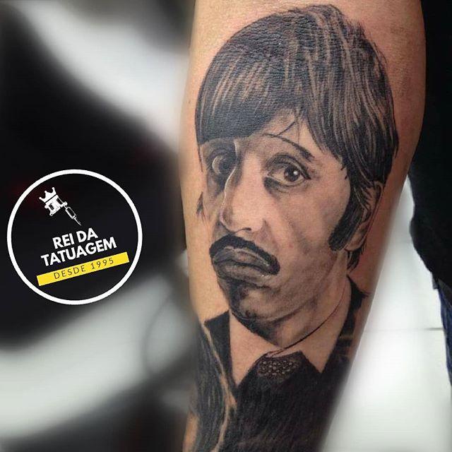 Ringo Starr  ficou famoso quando entrou
