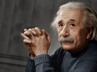 Ghicitoarea scrisă de Albert Einstein pe care doar 2% dintre oameni o pot rezolva