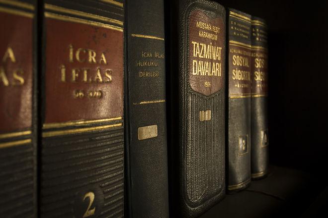 icra-iflas-piled-book-159832.jpg