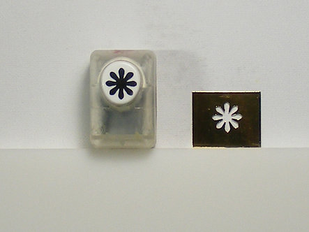 Create & Craft - 16mm Flower Punch (Used).